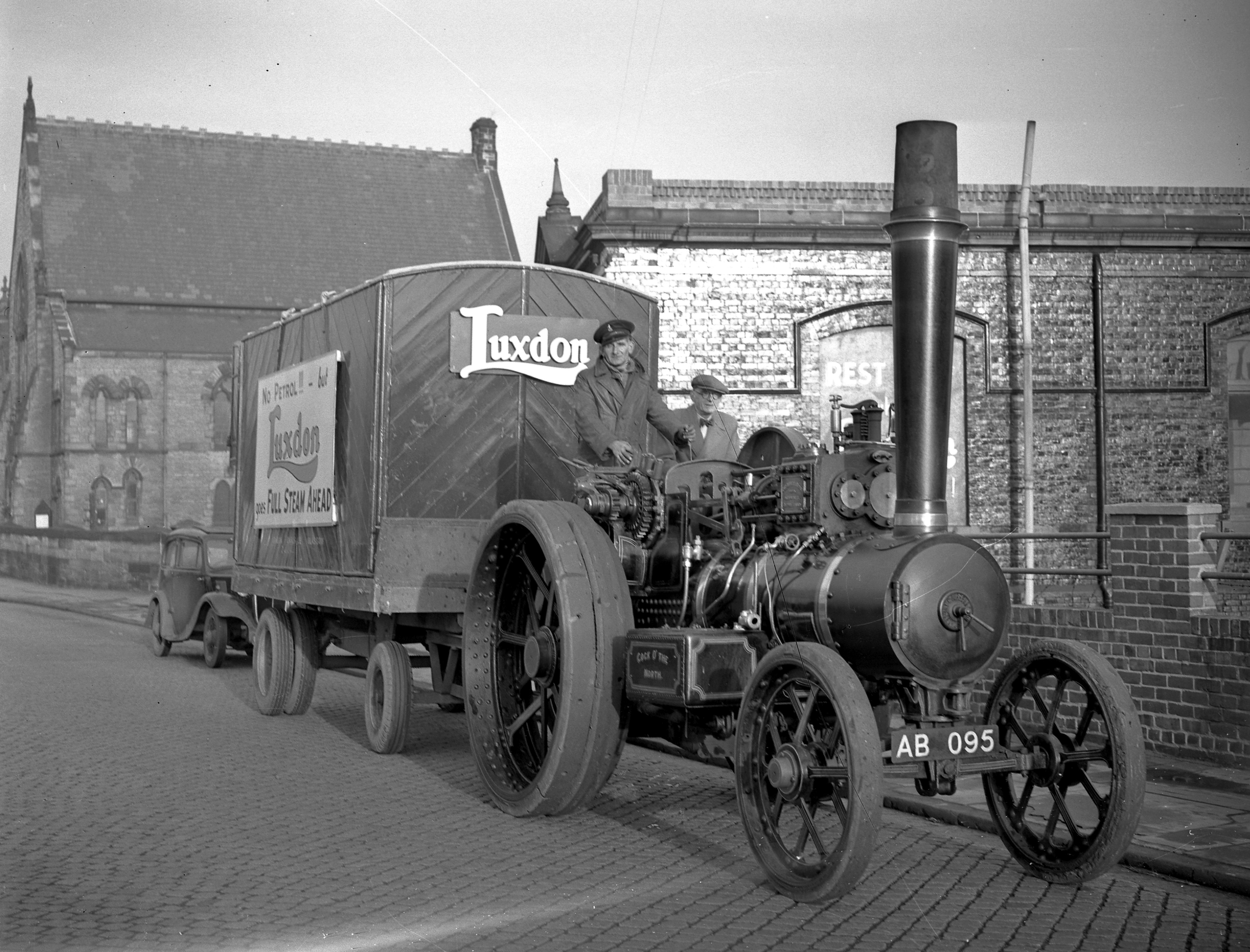 Luxdon Steam Engine  December 1956  old ref  number 25-2820